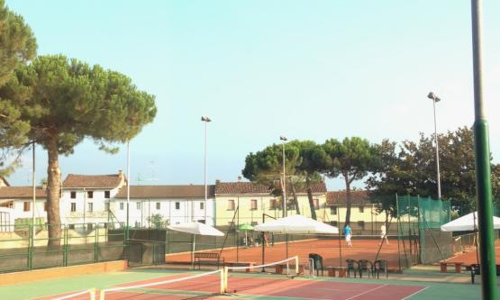 La Piramide Tennis Club