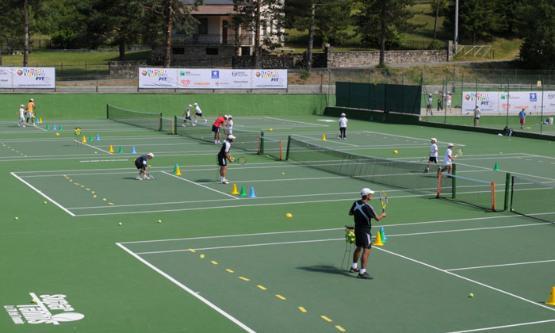 Volee olimpia tennis park a s d for Piscina olimpia milano